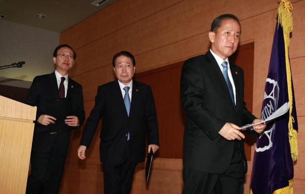 Seúl corta los lazos comerciales con Pyongyang y pide disculpas tras el ataque