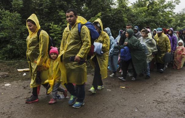 """MSF alerta de que los refugiados están expuestos a condiciones """"potencialmente mortales"""" en los Balcanes"""