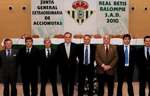 Miguel Guillén, elegido nuevo presidente del Betis en la junta de accionistas en sustitución de Gordillo