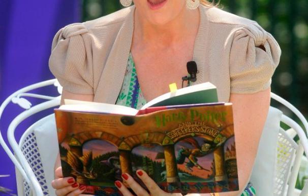 J.K. Rowling dona 10 millones de libras a una clínica especializada en esclerosis