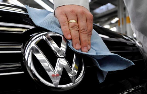 Volkswagen emite casi 65 millones nuevas acciones a 65 euros el título