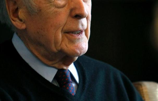 "Giscard d'Estaing dice que las ""grandes decisiones"" sobre ETA pertenecen a España"