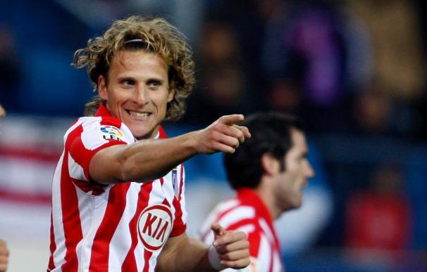 Forlán marcó de nuevo, pero se encaró con la afición del Atlético