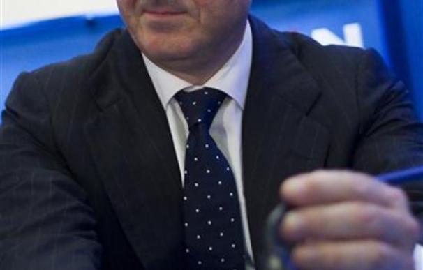 De Guindos pide que el BCE no tenga límites a la compra de bonos