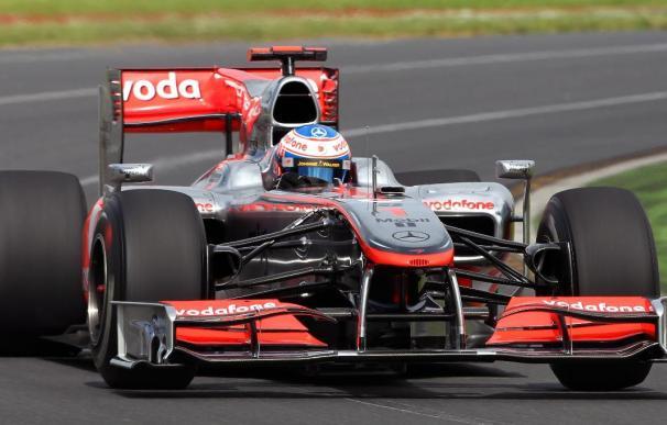 Los McLaren-Mercedes dominan la segunda sesión libre del GP de Australia, Alonso decimoquinto