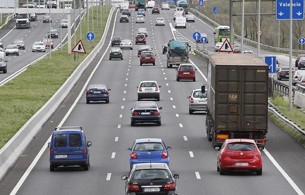 Tráfico prevé unos 600.000 desplazamientos de vehículos en Semana Santa