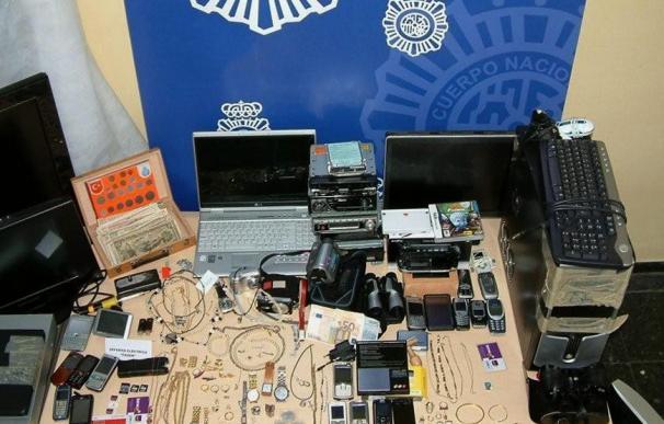 Cae una banda que robaba en casas y comercios de Tarragona