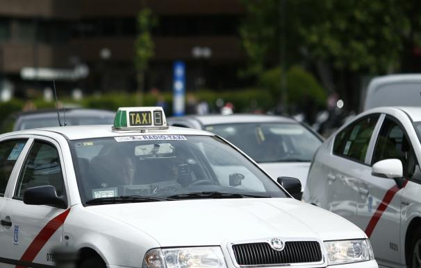 """El Ayuntamiento lanzará un plan de """"paradas temporales"""" de taxi para eventos con mucha afluencia de público"""