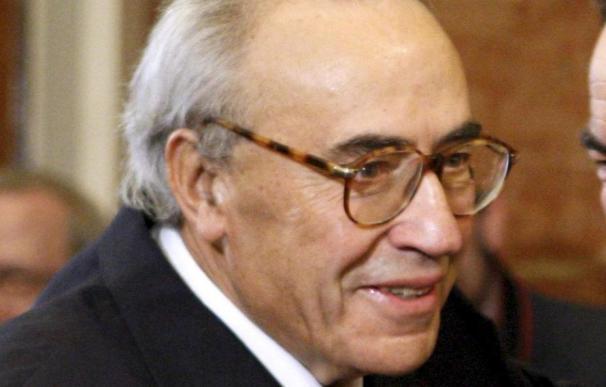 Peces Barba afirma que criticar la competencia del TC es el último despropósito del Estatuto