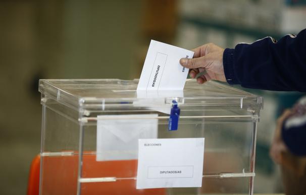 El Gobierno catalán formaliza la compra de sobres y papeletas para unas elecciones catalanas