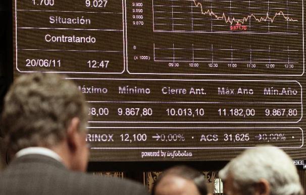 El IBEX cae el 1,70 por ciento y pierde los 10.000 puntos a mediodía