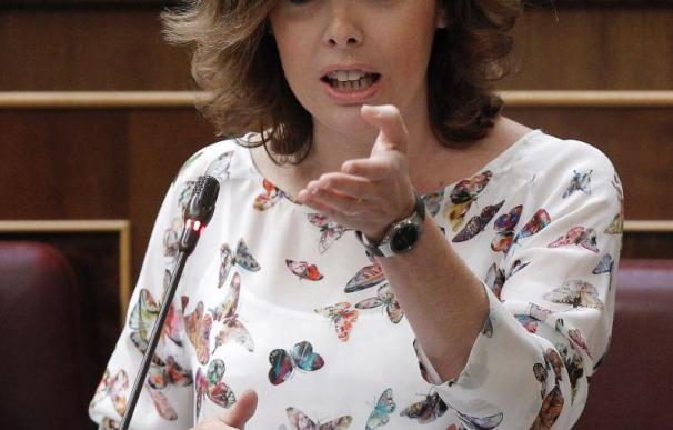 Sáenz de Santamaría dice que Extremadura es la última parada del 'efecto Rubalcaba'