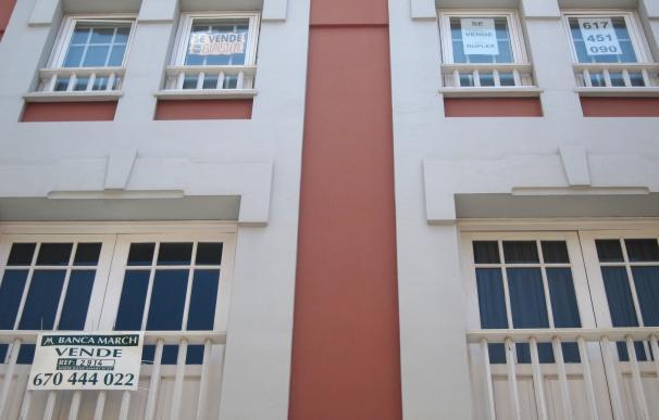La compraventa de viviendas en Canarias crecerá un 5,3% en 2017, la subida más baja del país