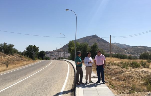 Finalizan las obras de mejora del firme en el acceso al polígono industrial de Martos y en la Avenida de Europa