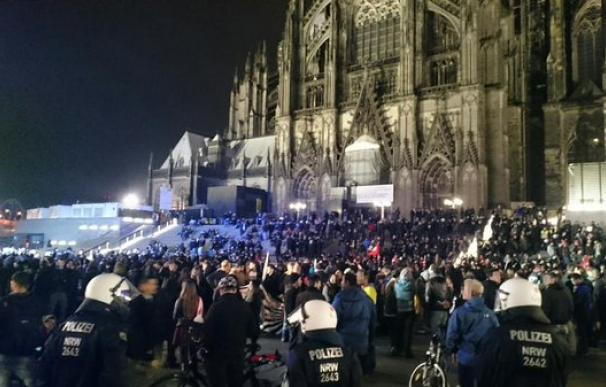 Miles de personas se movilizan en Colonia contra manifestación de extrema derecha