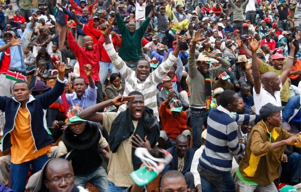 Obama lamenta la presencia de Bachir en la ceremonia de la nueva Constitución de Kenia