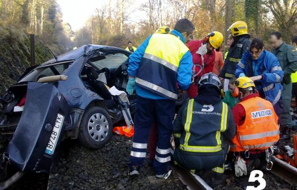 El tren que arrolló un vehículo en Zamora lleva 205 viajeros que están ilesos