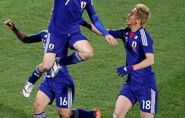 1-3. Japón impone su estilo para superar a Dinamarca y meterse en octavos