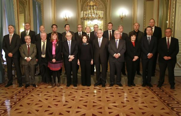 La comisión de expertos para la reforma de la financiación autonómica empieza a trabajar tras ser constituida