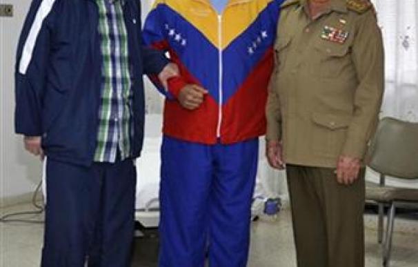 Chávez envía un saludo a Venezuela y el Gobierno dice que mejora
