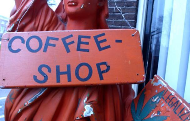 El nuevo Gobierno de centro-derecha holandés quiere prohibir a los turistas entrar en los coffee-shops.