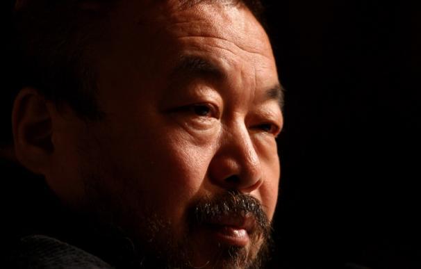 Tras su liberación, el artista chino Ai Weiwei tiene prohibido hablar con los medios y menos sobre su experiencia en la cárcel.