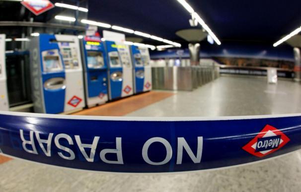 La tercera jornada de huelga se inicia sin servicio en toda la red de Metro