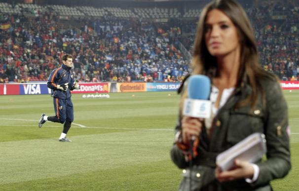 Urbaneja critica el uso que Tele 5 hace de Sara Carbonero en el Mundial