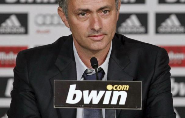 Mourinho defiende a Cristiano Ronaldo y critica el papel de Simao ante España