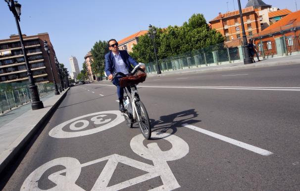 Carmena, a por el liderato de carriles bici con el proyecto de 629 km para 2025.