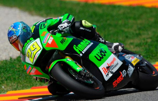 Iannone gana en Assen y Elías mantiene el liderato con el segundo puesto