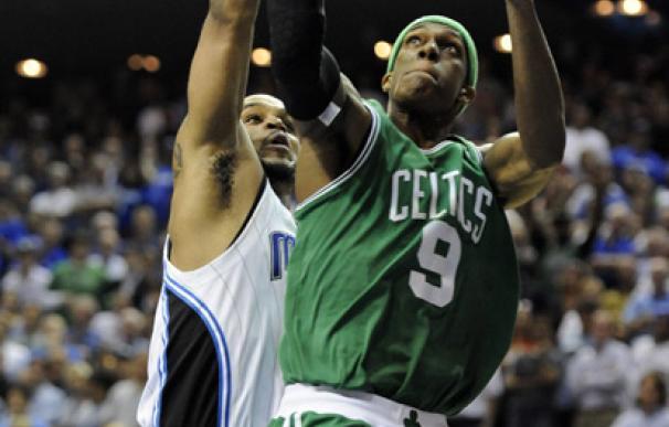 Rajon Rondo volvió a liderar a los Celtics