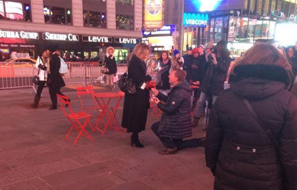 La petición de matrimonio de Brendan Rodgers en Times Square / Twitter