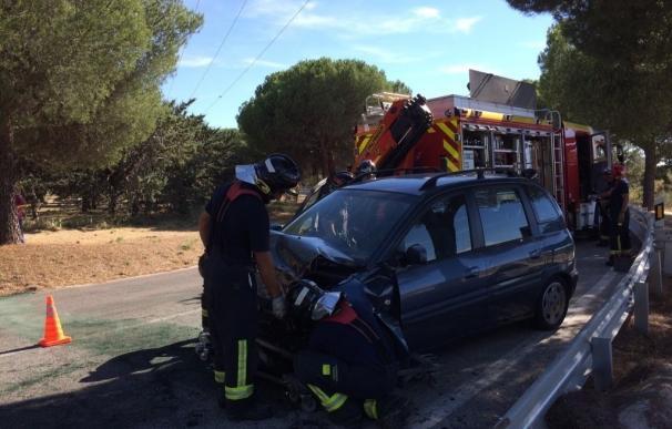 Herida muy grave una joven de 20 años en un choque frontal entre dos vehículos en la M-612