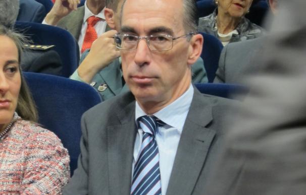 Vázquez Almuíña transmite tranquilidad a la población ante el posible caso de ébola