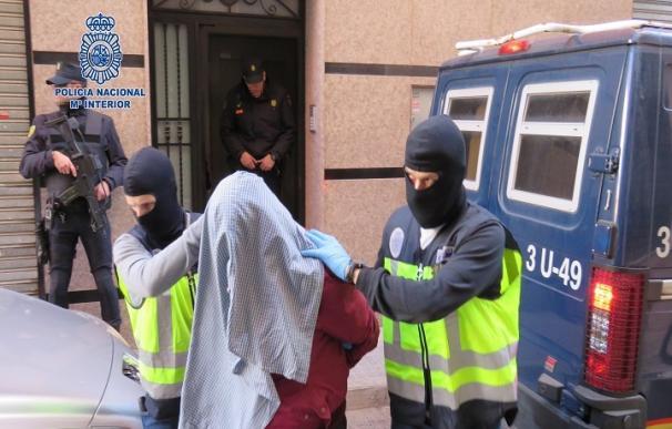 Prisión incondicional para seis yihadistas que enviaban armas a zonas de Siria controladas por el Daesh