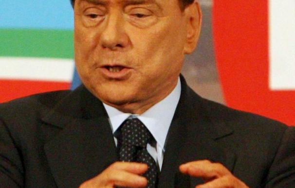 Berlusconi aumenta su fortuna y declara 8,5 millones de euros más
