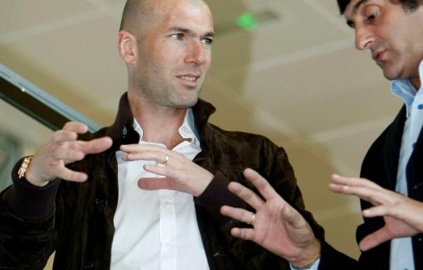 Francescoli y Zidane presentan la Academia 'Cracks' de jóvenes talentos