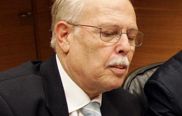 Un diputado del PP preside una comisión de Les Corts vestido de huertano