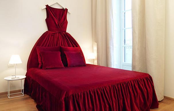 La casa de moda Moschino convierte una antigua estación de trenes en el centro de Milán en un fashion hotel.