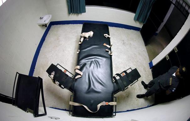 Wood fue condenado a la pena de muerte por el asesinato a tiros en 1989 de Debbie Dietz, de 29 años, y su padre, Gene Dietz, de 55,