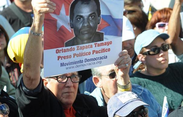 El Gobierno asume que no podrá cambiar la posición común de la UE con Cuba