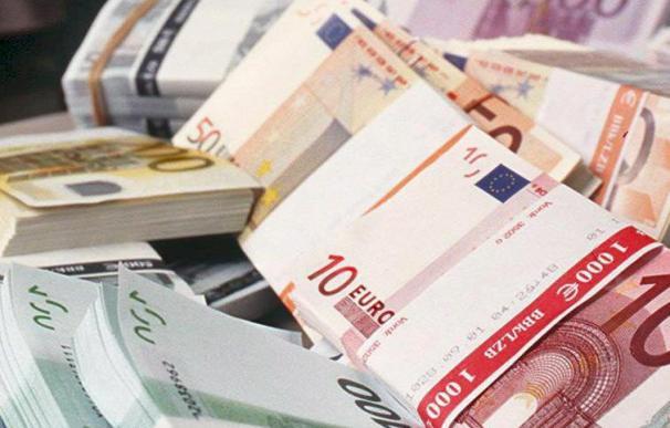 España coloca 2.988 millones en letras y baja el interés de las de 6 meses