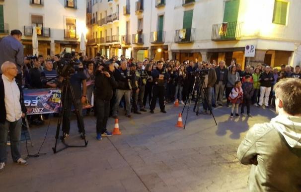 Cervera celebra una concentración en apoyo a Marc Márquez