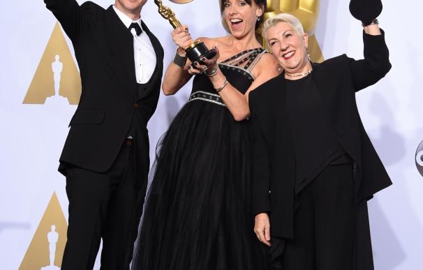 Lesley Vanderwalt (R), Elka Wardega (C) and Damian