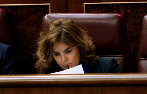 Sáenz de Santamaría muestra su respeto hacia los procedimientos judiciales