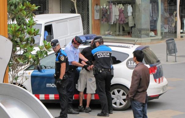 Dos detenidos y varios heridos en el desalojo de la acampada en Lleida