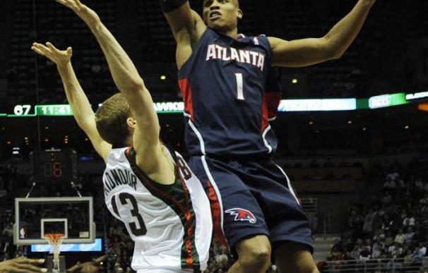 Jazz y Spurs amenazan en el Oeste; Bucks lo hacen en el Este