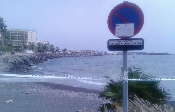 Clausuran una playa en Mogán (Gran Canaria) por un vertido de gasóleo