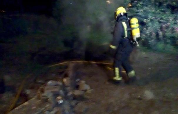 (AM) Trasladadas a un centro de salud 5 personas y desalojadas otras 3 por un fuego en un edificio de Marín (Pontevedra)